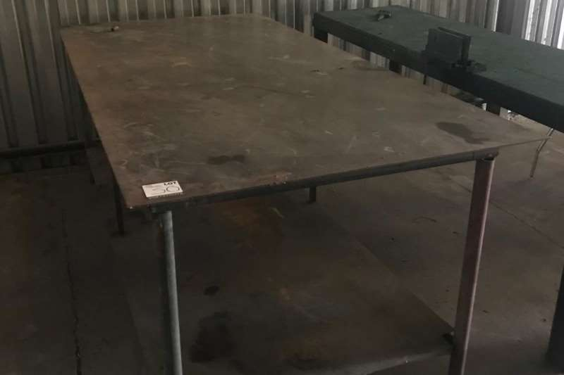 Other DOUBLE SURFACE STEEL WORK BENCH (± 3000 MM X 1800