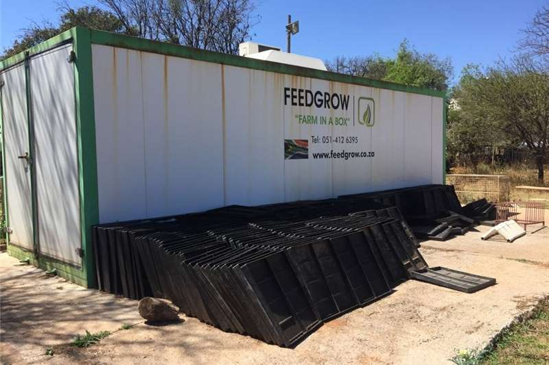 """Feed Grow """"Farm In A Box"""" Other"""