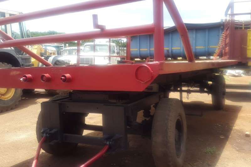 Other 4 WHEEL TRAILOR Feed wagons