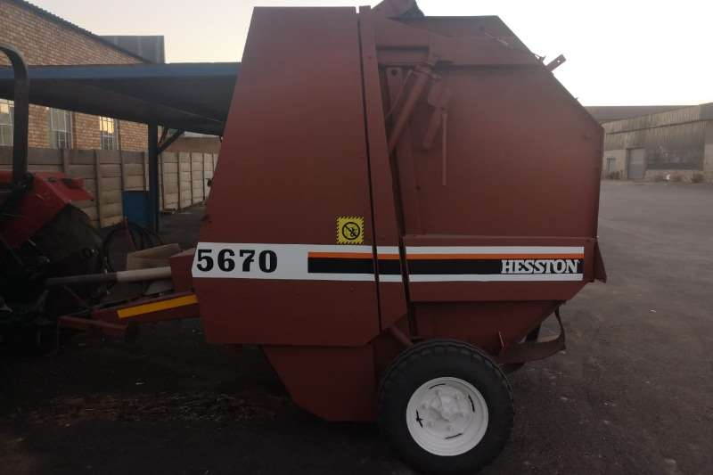 Other Hay and Forage Balers Hesston 5670 Baler