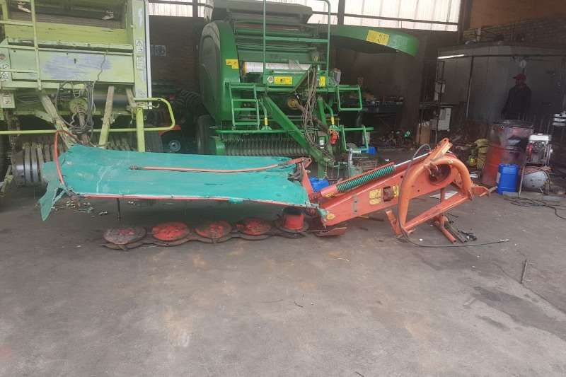 Other Hay and Forage Disc Mowers Taarup 5 Drom