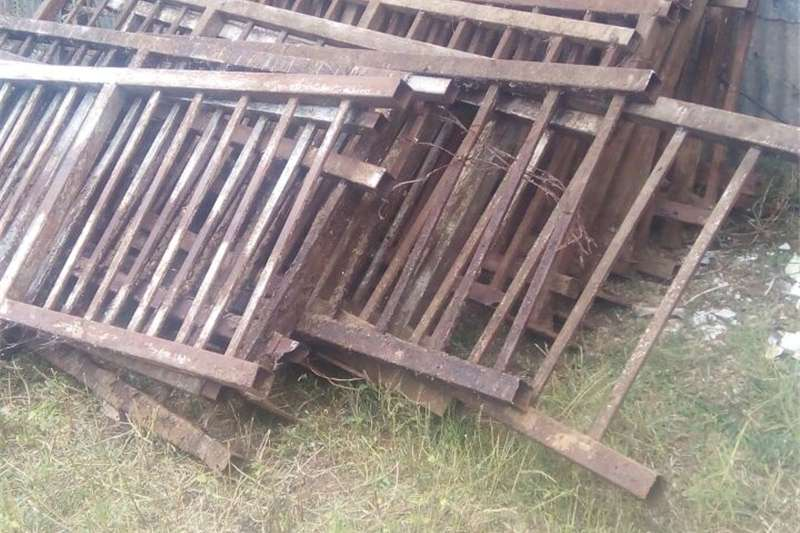 Other Heavy duty rails for pigs,cattle etc