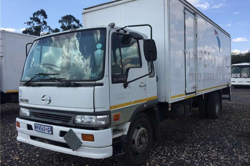 Other Hino 15-207 Closed Bin Stepping LoaderPre-Owned Tr 2002