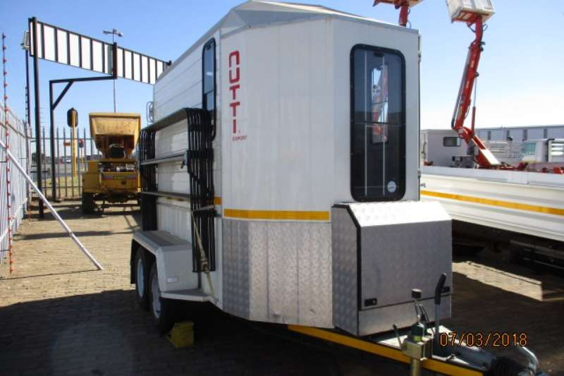 HORSEBOX TRAILER Other