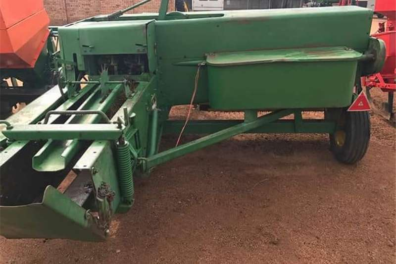 John Deere Toubaler Other