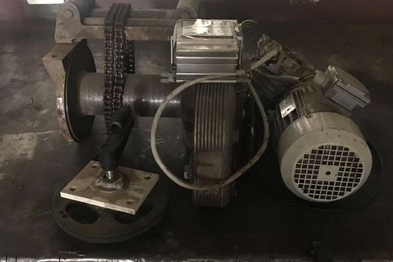 Other LARGE WINCH & MOTOR (WORKING)