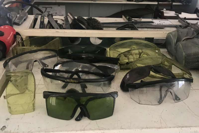Other LOT SAND PAPER / SAFETY GLASSES / GLOVES / PPE & M