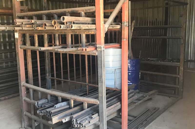 Other LOT STEEL OFF-CUTS & STEEL METAL SHELVING HOLDING