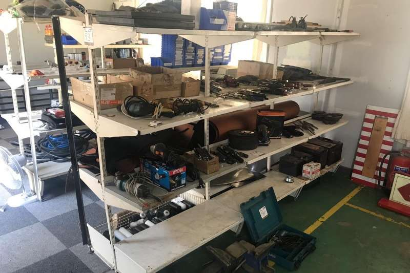 Other LOT STEEL RACK SHELVES WITHOUT CONTENT