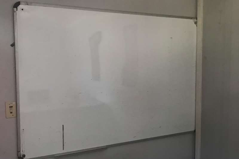 Other LOT WHITE BOARDS (2 X WHITE BOARDS & 1 X MAGNETIC