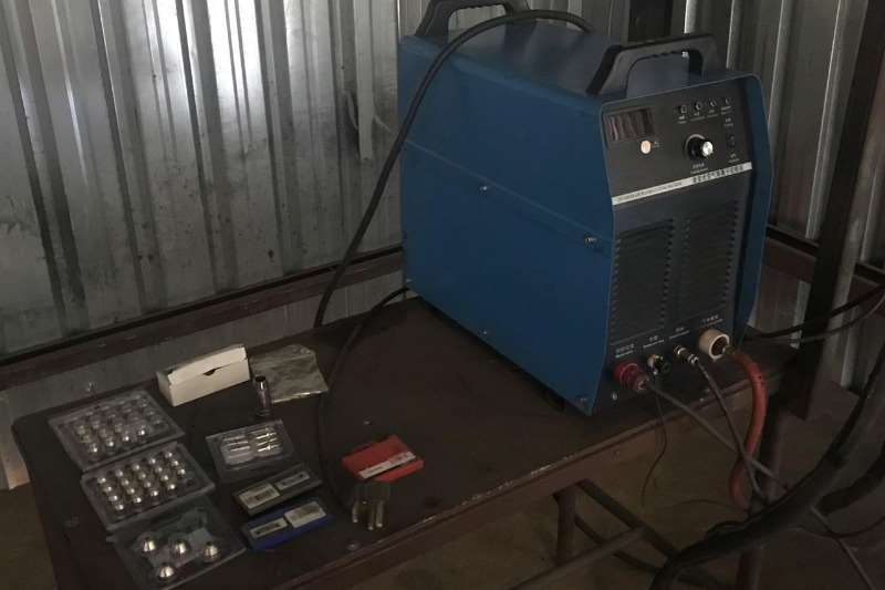 Other METALWISE CNC PLASMA CUTTER WITH TABLE & EXTRA TOO