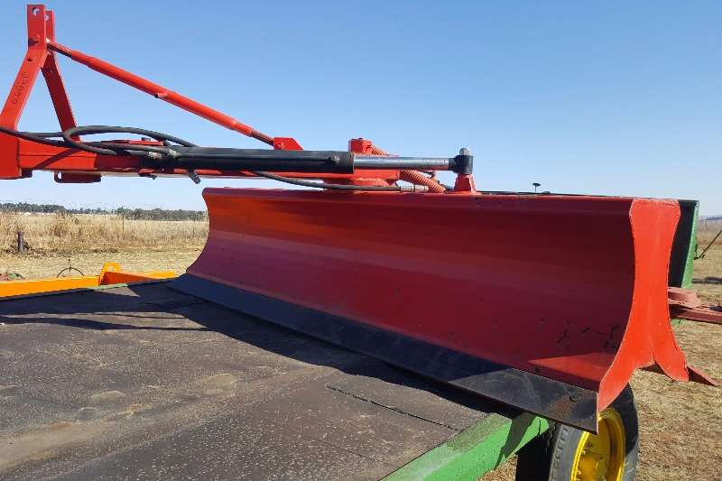 New reversible hydraulic grader Other