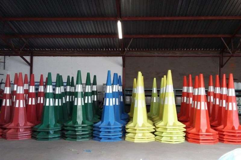 PLASTIC PRO 1.8 SAFETY CONES Other