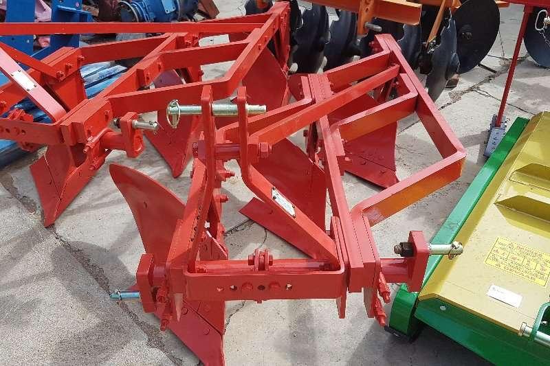 Other ploughs Inne Johnson 3 row plough