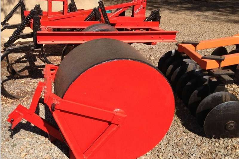 Other S1001 U Make Tractor Pulled Road Field Roller / Pa