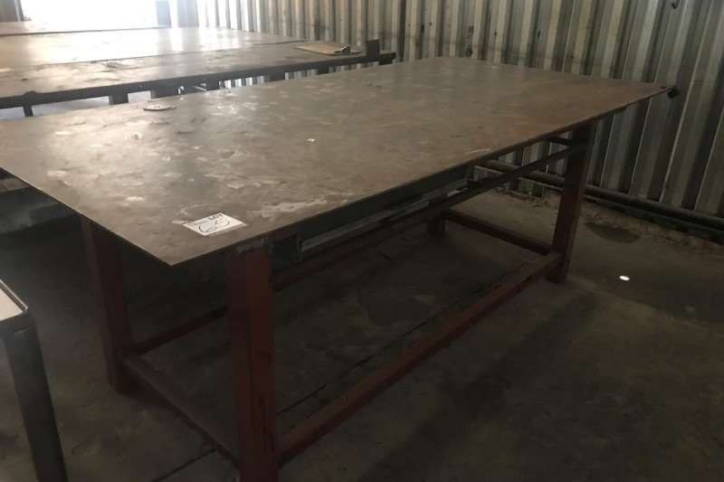 Other STEEL WORK BENCH (± 3000 MM X 1200 MM)