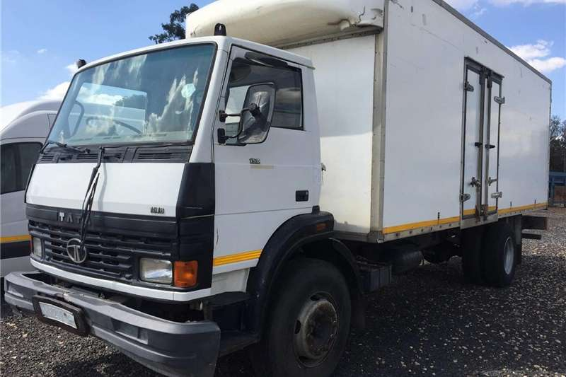 Other TATA 1518 Closed BinPre-Owned Truck 2010