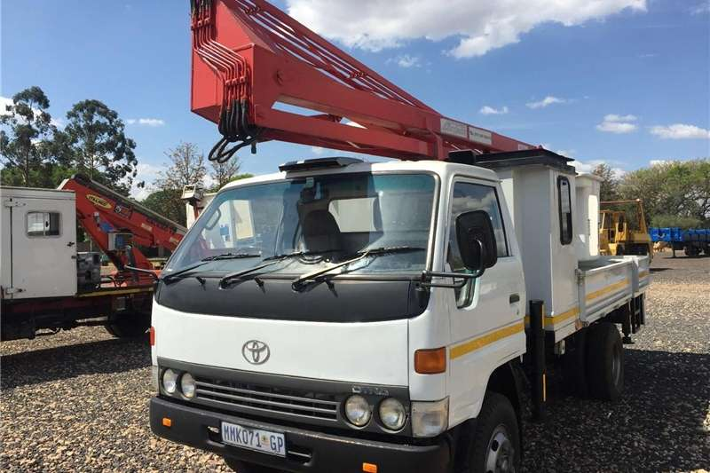 Other Toyota Dyna SkyJack Cherry Picker Pre-Owned Truck