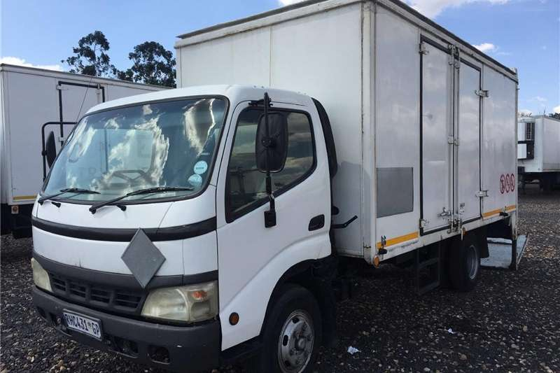 Toyota Dyna Stepping Loader Closed BinPre Owned Tr Other