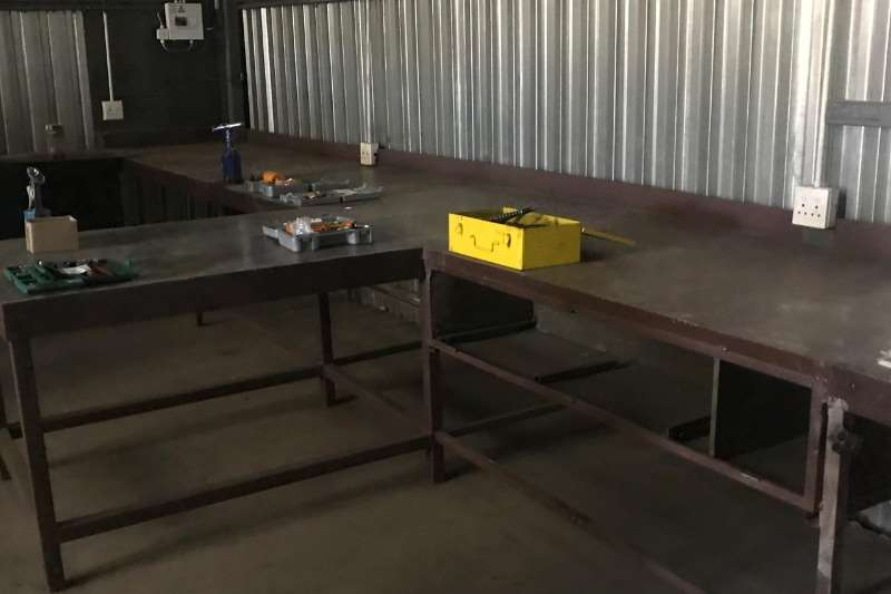 Other XXL STEEL WORK BENCH (± 18 M)