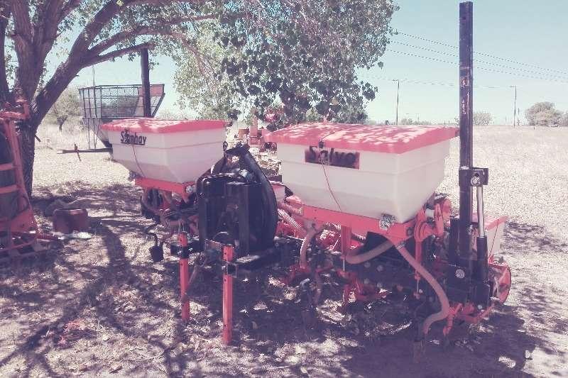 Apache SALVO 5 RY STANHAY LUGDRUK PLANTER Planting and seeding