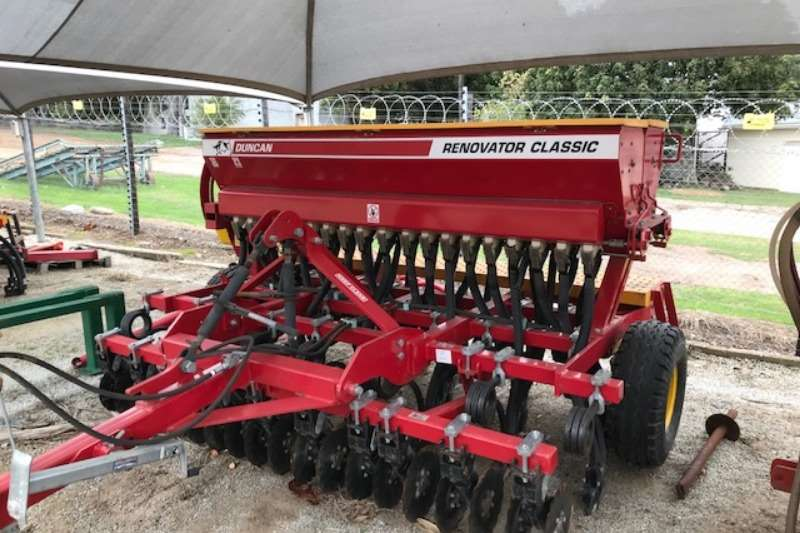 DUNCAN RENOVATOR CLASSIC 19 R   NUUT Planting and seeding