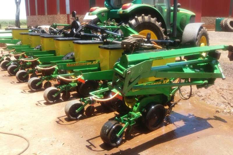 Planting and Seeding John Deere Other Planting and Seeding John Deere 1720 8ry 0