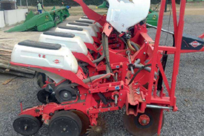 Kuhn Row units Maxima 8 Ry 0.9m Planter Planting and seeding