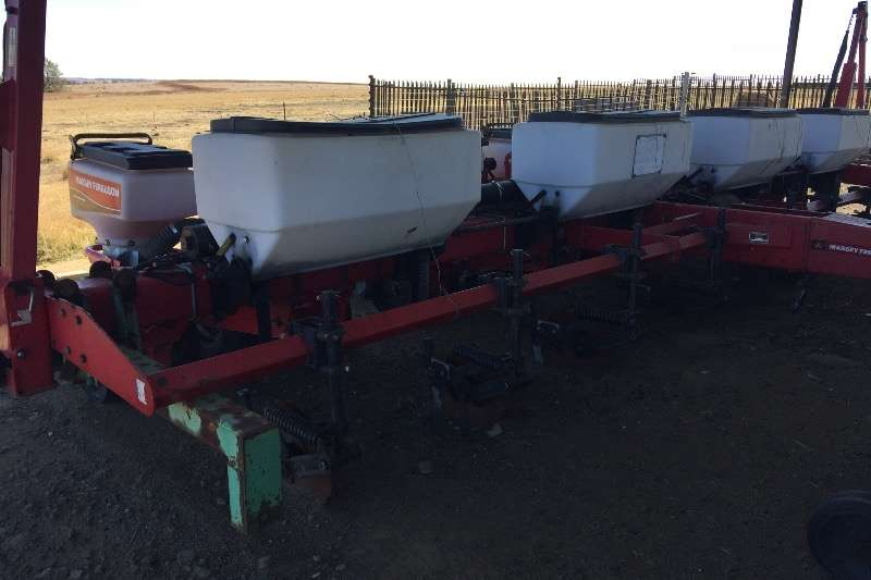 Massey Ferguson MF555 8 row 91cm   Maize&Soya planter Planting and seeding