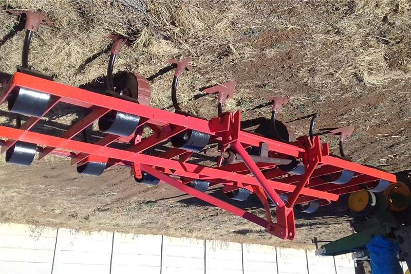 Other planting and seeding 15 row tiller red Planting and seeding