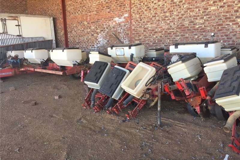 Other planting and seeding 20x MF 543 Planting Units Complete Planting and seeding