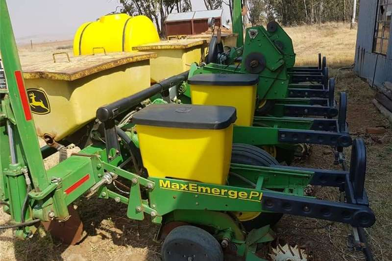 Other planting and seeding John Deere 1750 Vacuum Planter Planting and seeding