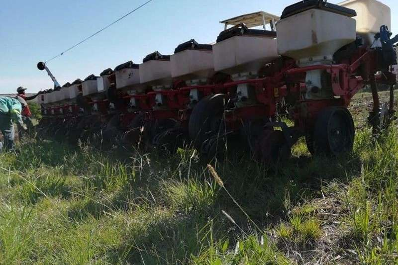 Other planting and seeding Massey Furgeson 555 Planter Planting and seeding