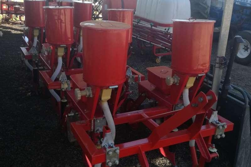 Row units 2 Ry Planter Planting and seeding