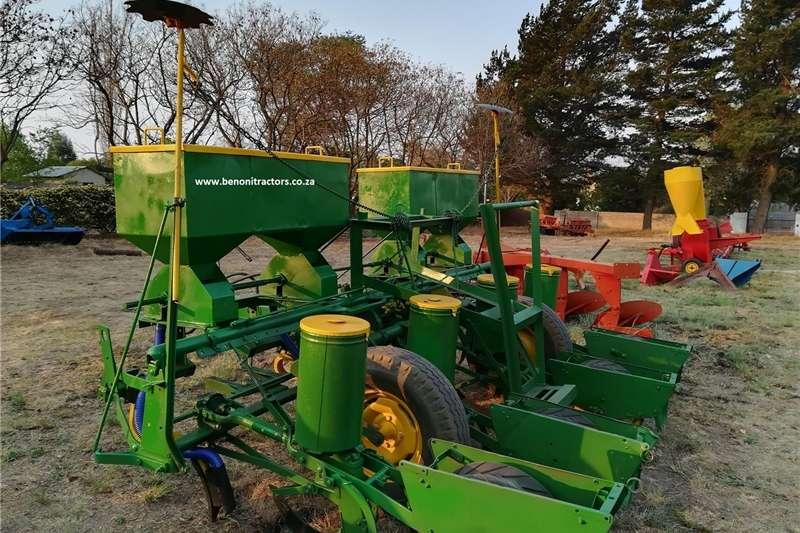 Row units 4 Row John deere Maize Planter Planting and seeding