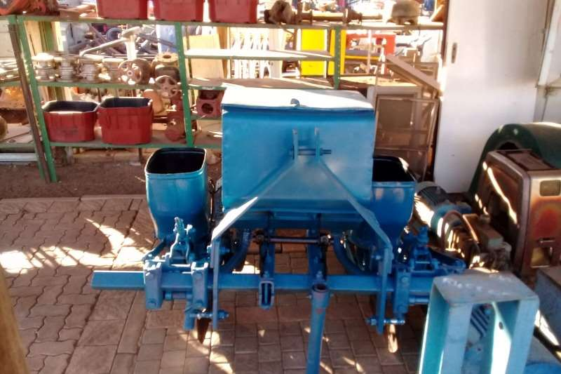 Planting and Seeding Twee ry planter