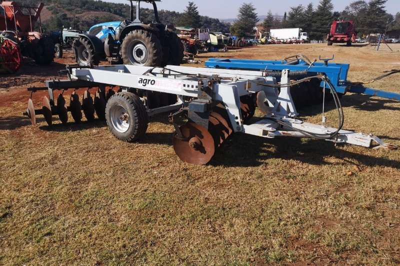 Disc harrows Agromaster 28 disc Harrow Ploughs