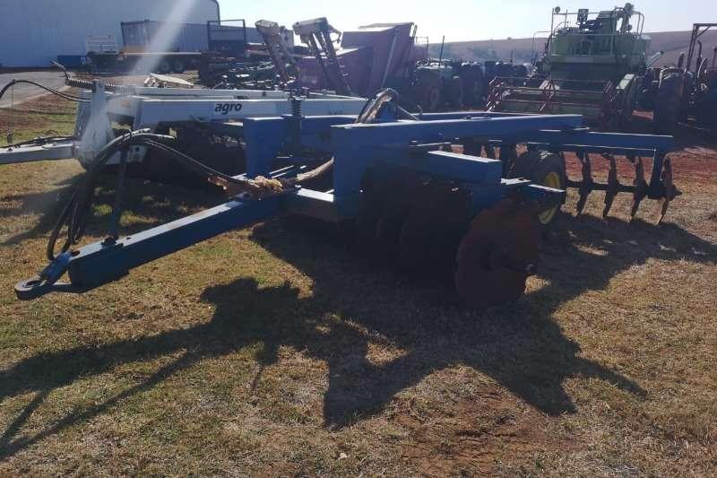 Disc harrows Buffalo 24 disc Harrow Ploughs