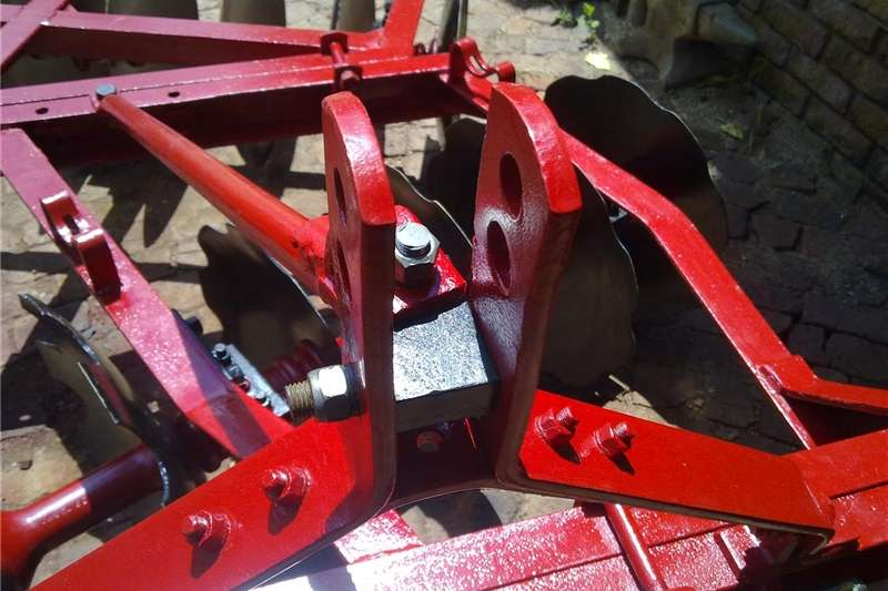 Disc harrows Massey Ferguson 14 disc harrow , 14 skottel dis Ploughs