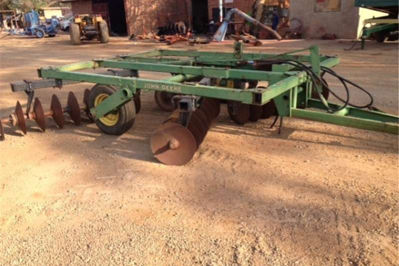 Disc harrows S2671 Green John Deere N210 36 Disc Hydraulic Harr Ploughs