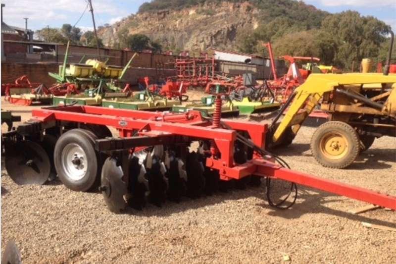 Disc harrows S3087 Red BPI 18 Disc Medium Duty Hydraulic Harrow Ploughs