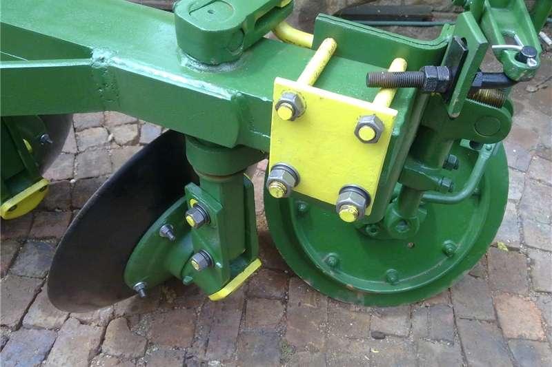Disc ploughs Disc plough for sale John Deere Ploughs