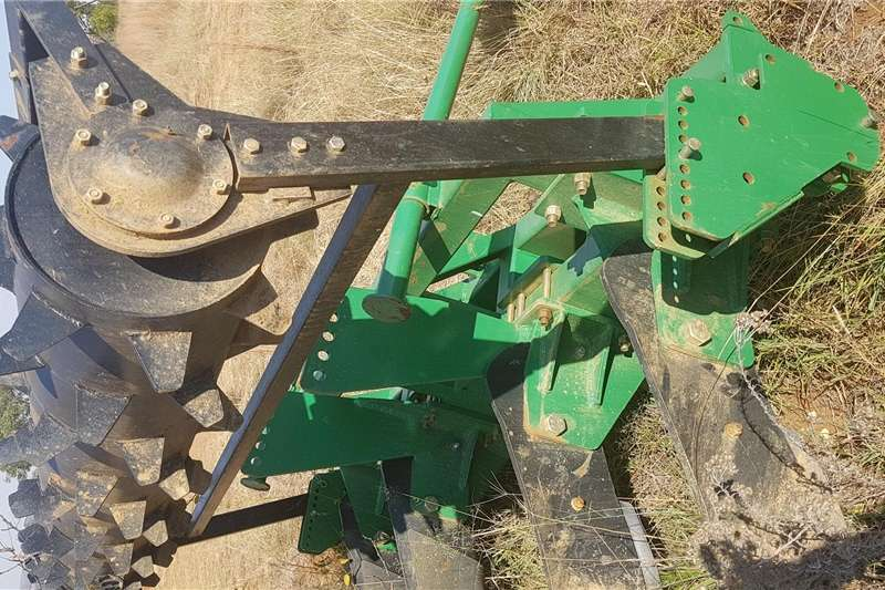 Disc ploughs Implements for Sale Ploughs
