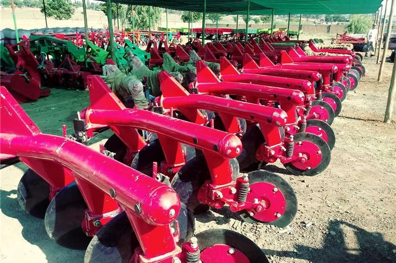 Disc ploughs Pipe Disc Ploughs Ploughs