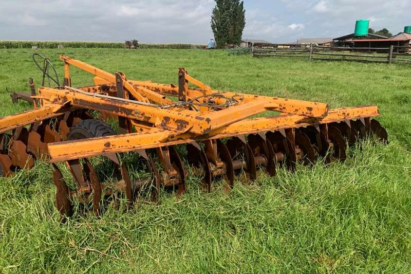 Disc ploughs TATU 32 Skottel Offset Disc in very good condition Ploughs