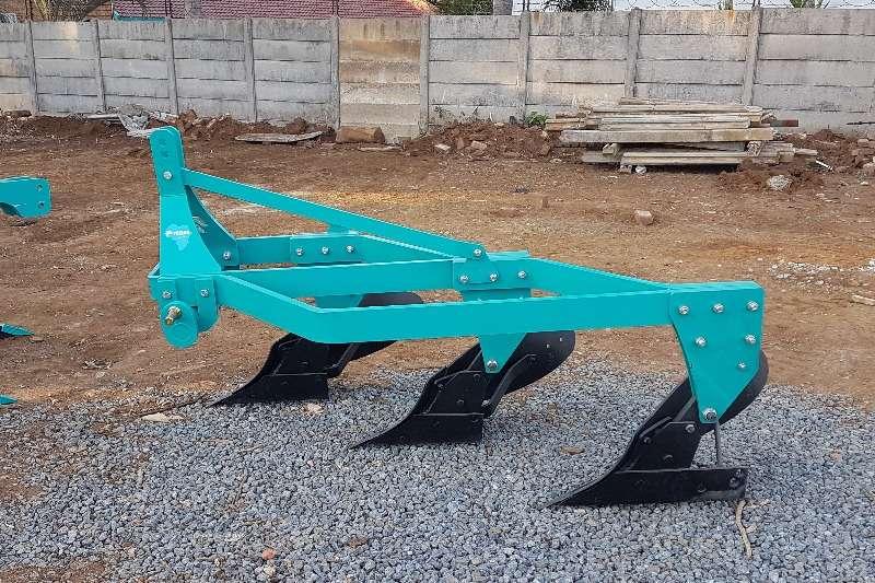 Mouldboard ploughs 3 FURROW FRAME PLOUGH Ploughs