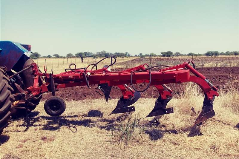 Ploughs Mouldboard Ploughs Hydraulic Fpur Mouldboard Plough
