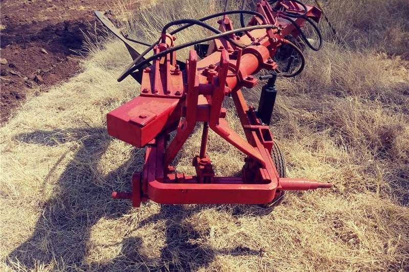 Mouldboard ploughs Hydraulic  Plough  4 Mouldplouh Ploughs
