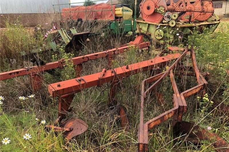 Other ploughs MF Raamploeg 3 Skaar Ploughs