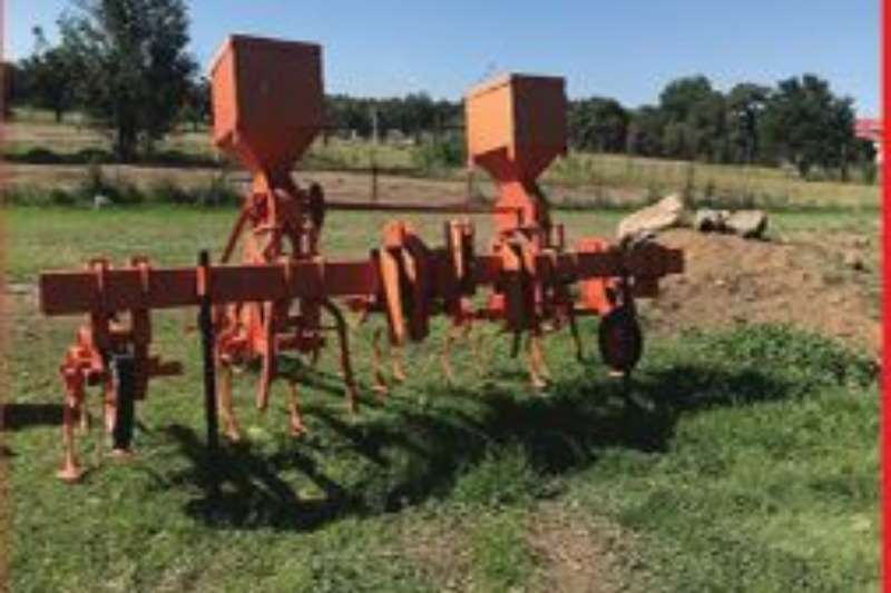 Subsoiling ploughs Skoffel 4ry Ploughs